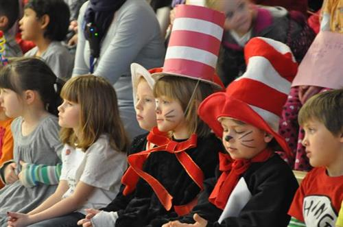 "Lander Rotary brings the ""The Cat in the Hat"" to Lander Youngsters"