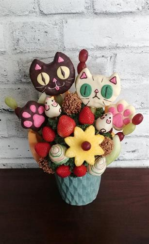 Custom Kitty Arrangement! $58.50