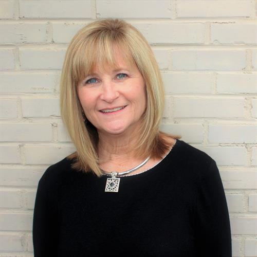 Donna Mozina, Broker/Owner