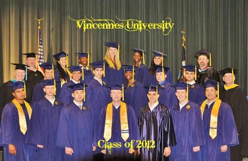 Gallery Image Vincennes_Univ_2012_Graduation_600aps.jpg