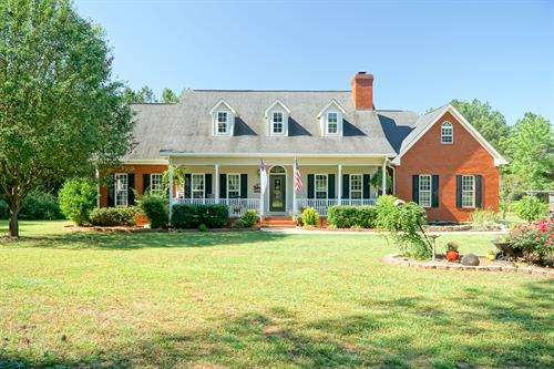 68 Apple Road, Locust Grove, GA