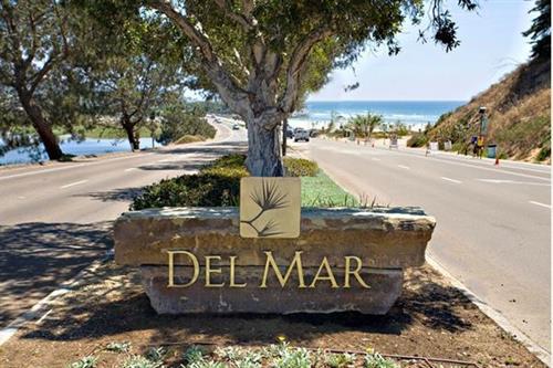 Del Mar Living