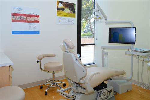 Our paperless system delivers electronic charting, digital imaging and enhanced case presentation chair side.