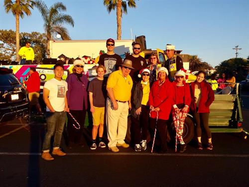 2016 Lion's Float, Encinitas Holiday Parade