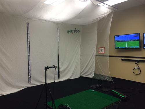 private bays with video and motion analysis