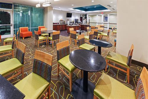 Bright Side Breakfast Area