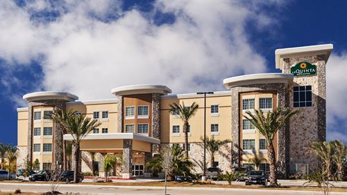 La Quinta Inn & Suites Willowbrook