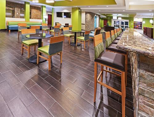 Lobby Bar & Grill