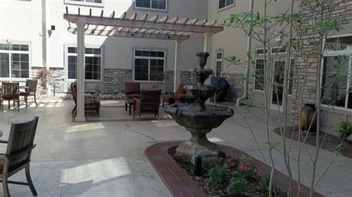 The Bridge At Florissant patio area