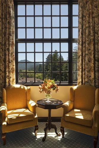 Gallery Image MVC181750014-Benbow-Historic-Inn-Lounge-Room-231-Web.jpg
