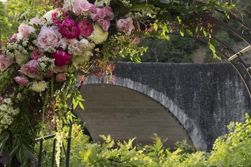Gallery Image MVC183640016-Benbow-Historic-Inn-Garden-Wedding-webopt.jpg