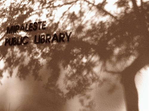 Miraleste Library