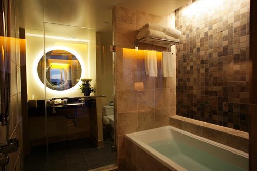 Deep Soaking Bath Tub