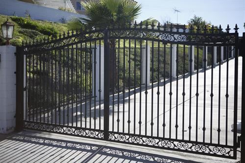 We Automate & Install Automatic Swing Gates
