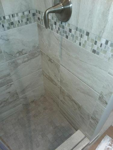 ceramic tile shower surround