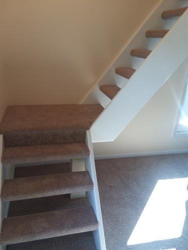 stair case full wrap carpet