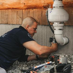 Exterior radon fan install