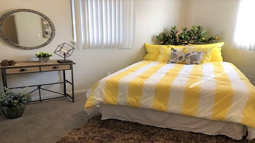 Gallery Image 14_-_bedroom.jpg