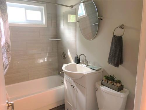 Gallery Image 17_-_bathroom.jpg