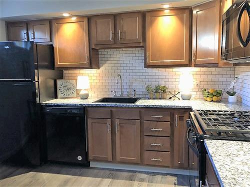 Gallery Image 3_-_kitchen.jpg