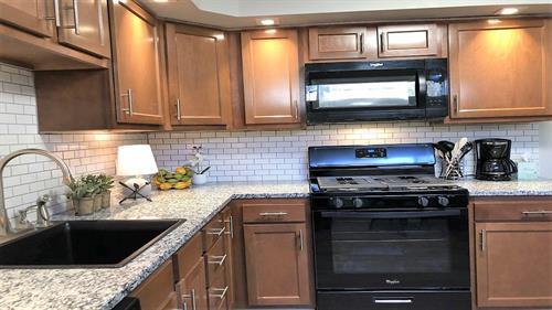 Gallery Image 4_-_kitchen.jpg
