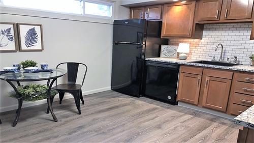 Gallery Image 5_-_kitchen.jpg