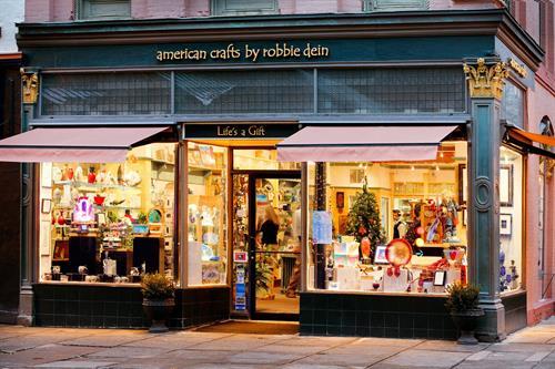 Gallery Image American_Crafts_1.jpg