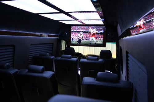 Gallery Image Executive_Sprinter_Interior_Front.jpg