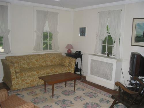 2nd Living Room / TV Room