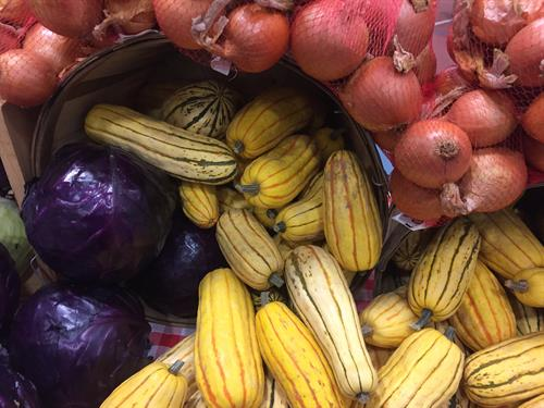 Gallery Image delicata_squash._onions._red_cabbage.JPG