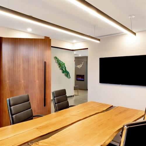 Gallery Image Rockmoor_Wealth_Management_Boardroom_Table.jpg