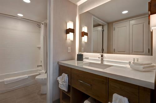 Double Queen Studio Suite Bathroom