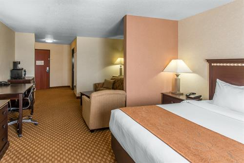 Comfort Suites Hopkinsville - Single King Bedroom Suite