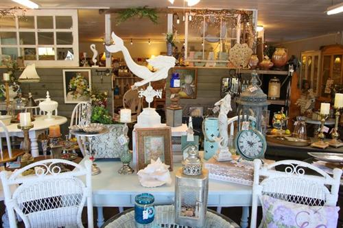 Vintage Furniture, Farmhouse & Coastal Home Decor', Shabby Chic collection