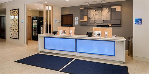 Gallery Image holiday-inn-express-and-suites-ruskin-5972104580-2x1.jpg
