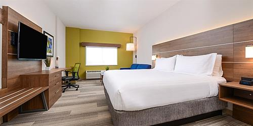 Gallery Image holiday-inn-express-and-suites-ruskin-5972105477-2x1.jpg