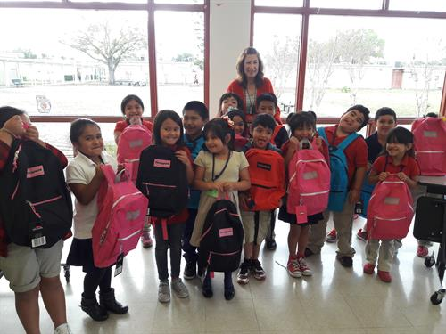 Ruskin students receive free backpacks from fundraiser by USF students