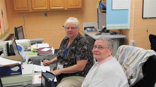 LCCC Older Adult Specialist assisting seniors with Medicare Part D enrollment.