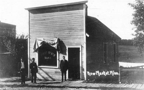 The original New Market Bank building in New Market in 1905