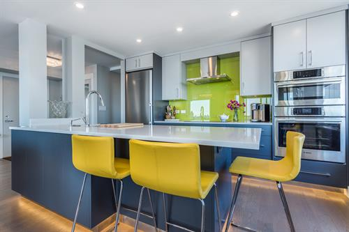 Gallery Image X1_-901-123-E-Keith-Rd-360hometours-05s1.jpg