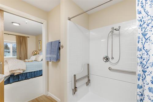 Gallery Image 1_Bed_Bathroom-20191004-6919.jpg