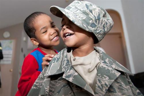 Gallery Image Military_Family_1.JPG