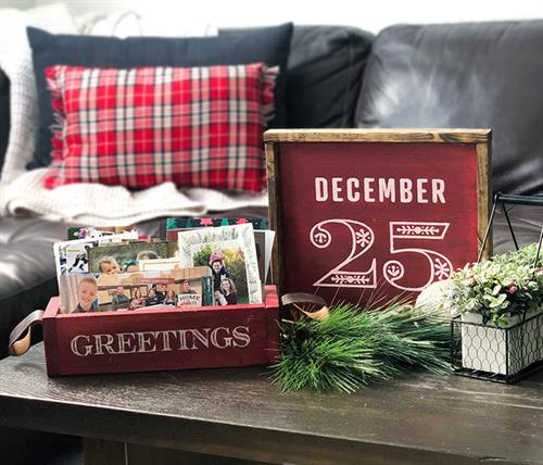 Gallery Image CHRISTMAS_-_December_25_Framed_and_Greetings_Box.jpg
