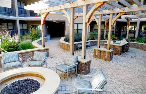 Garden Firepit Courtyard