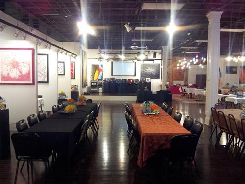 Gallery Image viva_pic_looking_at_stage.jpg