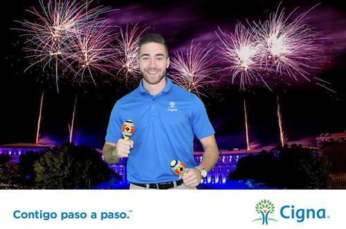 """Celebrating Cigna """"Contigo paso a paso""""!"""