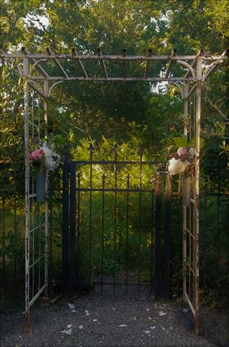 Distressed Vintage White Garden Trellis