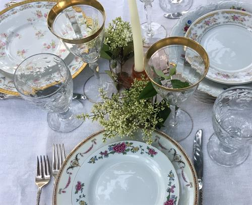 250 mismatched place settings