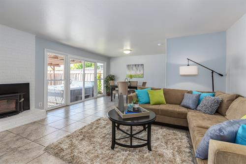 Cozy Beauty in Hayward for Sale!
