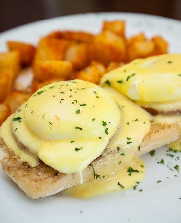 Eggs Benedict at The Peasant's Courtyard